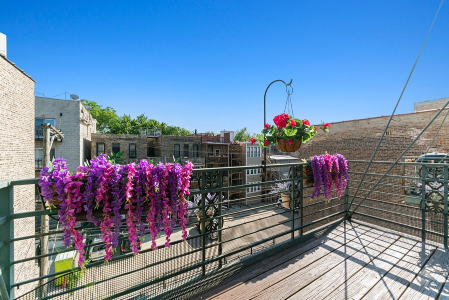 Real Estate Photography - 727 W Belmont Ave., #10, Chicago, IL, 60657 - Balcony or Deck
