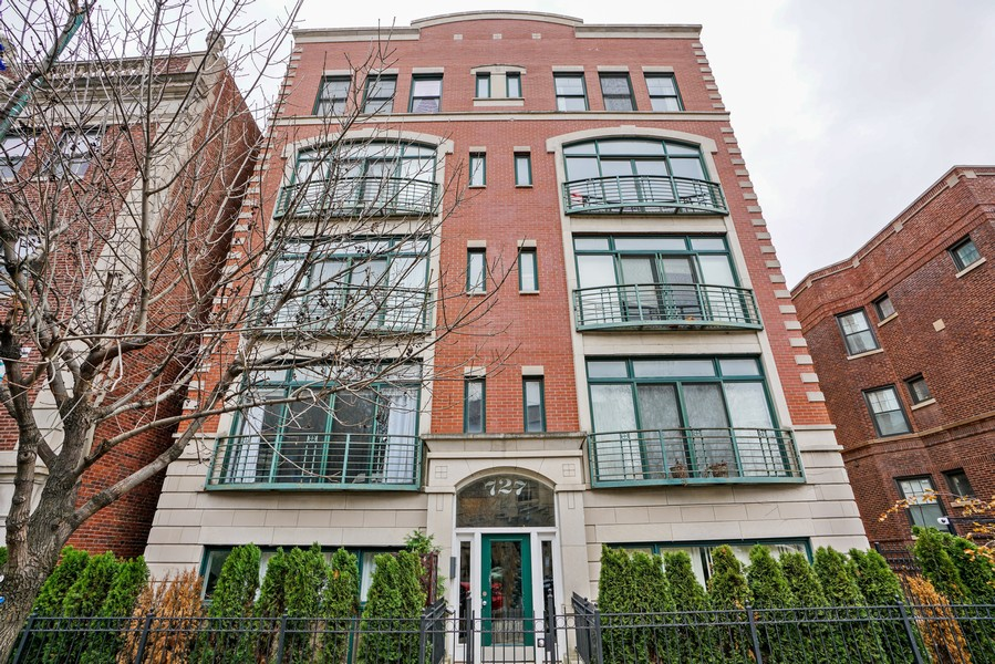 Real Estate Photography - 727 W Belmont Ave., #10, Chicago, IL, 60657 -