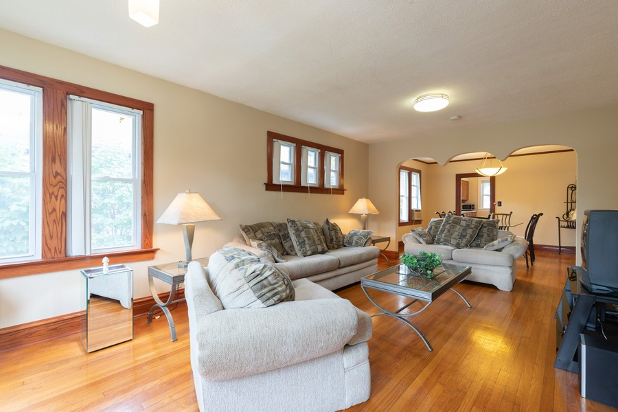 Real Estate Photography - 316 Judge Ave, Waukegan, IL, 60085 - Living Room