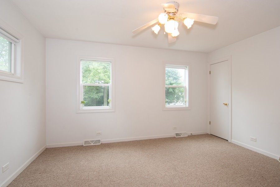 Real Estate Photography - 27W601 Galusha Ave., Warrenville, IL, 60555 - Master Bedroom
