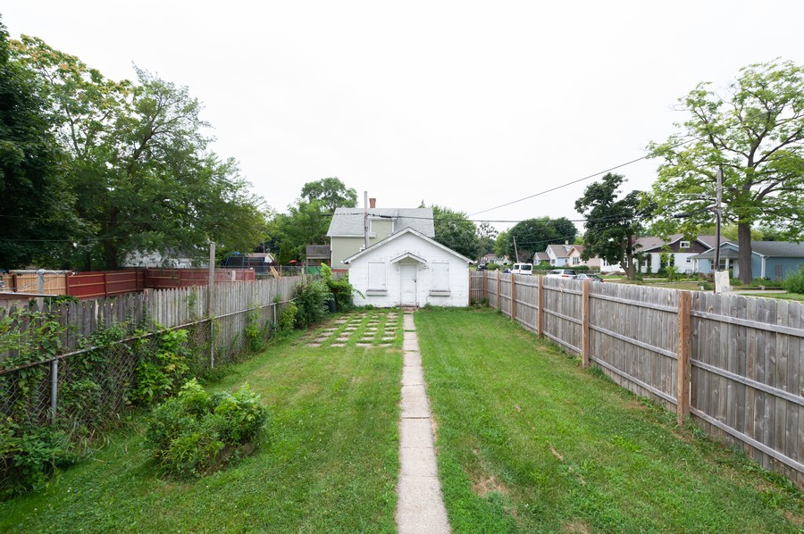 Real Estate Photography - 202 S Butrick Street, Waukegan, IL, 60085 - Back Yard