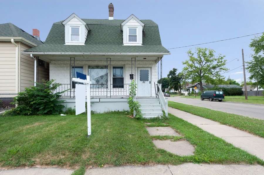 Real Estate Photography - 202 S Butrick Street, Waukegan, IL, 60085 - Front View