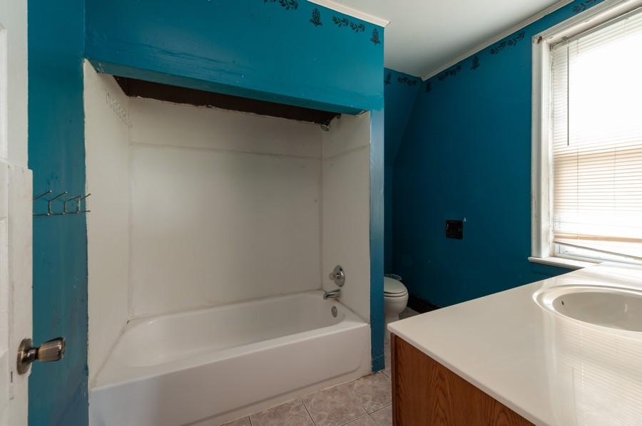Real Estate Photography - 202 S Butrick Street, Waukegan, IL, 60085 - Bathroom