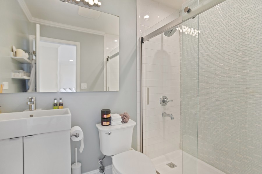 Real Estate Photography - 222 Harvard Lane, Bloomingdale, IL, 60108 - Master Bathroom