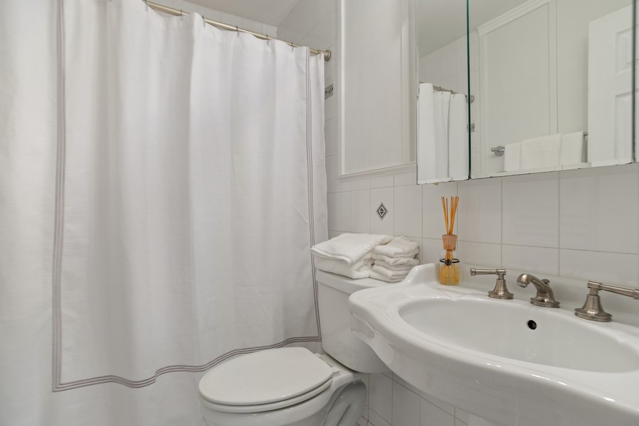Real Estate Photography - 222 Harvard Lane, Bloomingdale, IL, 60108 - 2nd Bathroom