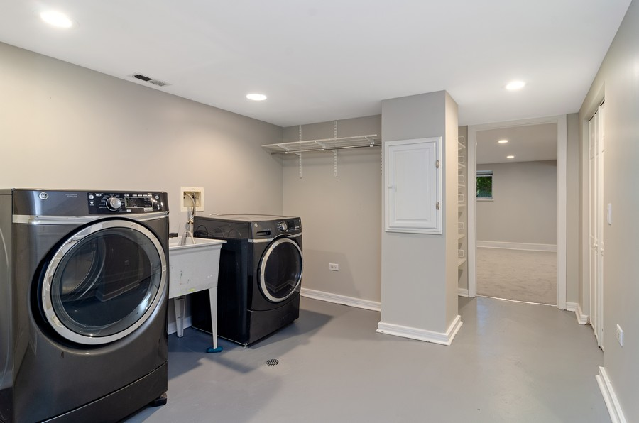 Real Estate Photography - 3545 N Damen, Chicago, IL, 60618 - Laundry Room