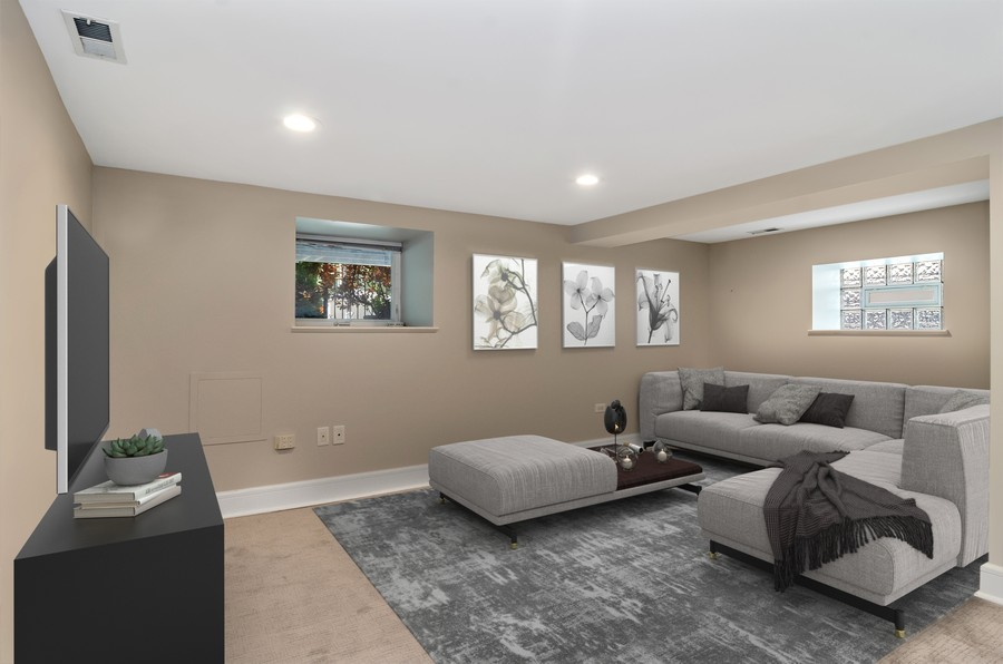 Real Estate Photography - 3545 N Damen, Chicago, IL, 60618 - Family Room