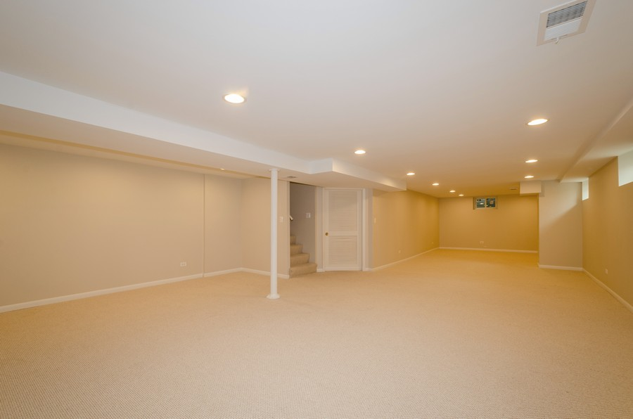 Real Estate Photography - 639 Forestview, Park Ridge, IL, 60068 - Recreational Room