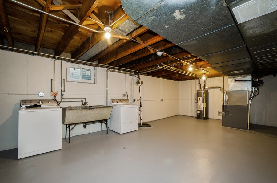Real Estate Photography - 639 Forestview, Park Ridge, IL, 60068 - Laundry Room