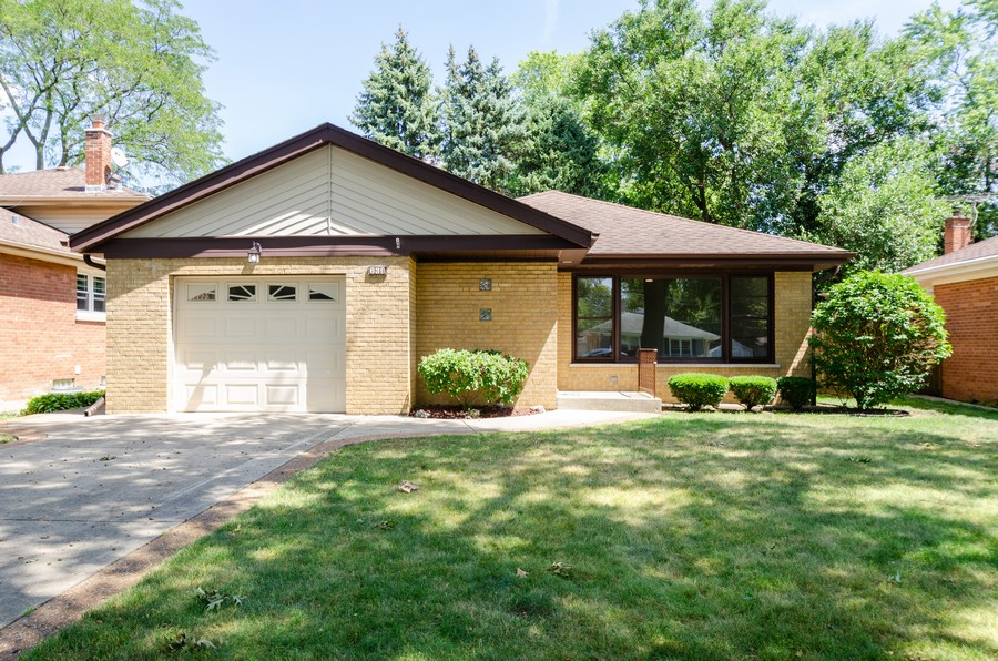 Real Estate Photography - 639 Forestview, Park Ridge, IL, 60068 - Front View