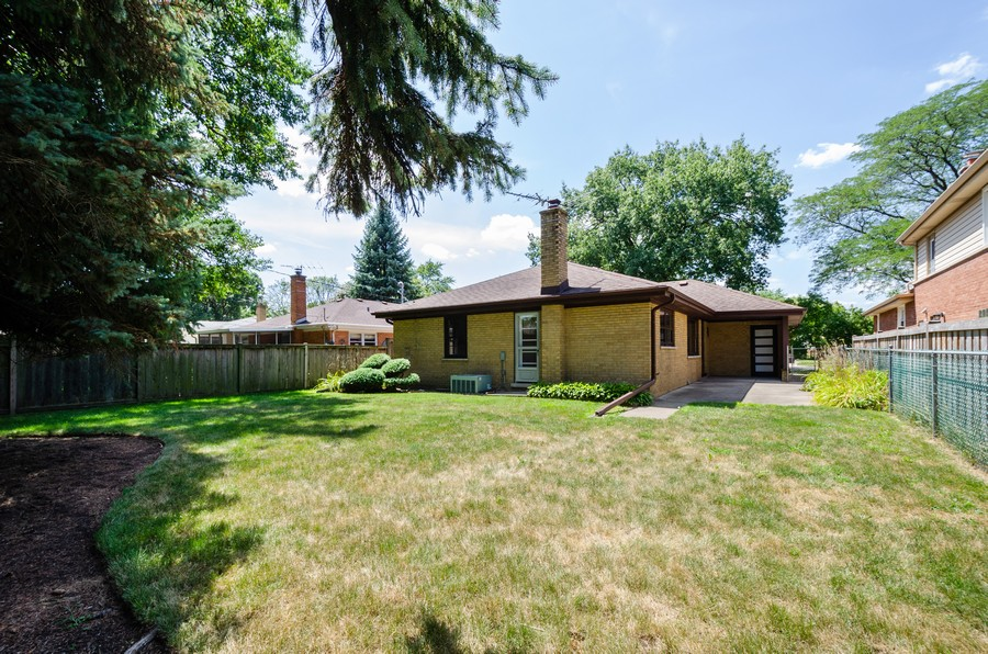 Real Estate Photography - 639 Forestview, Park Ridge, IL, 60068 - Rear View