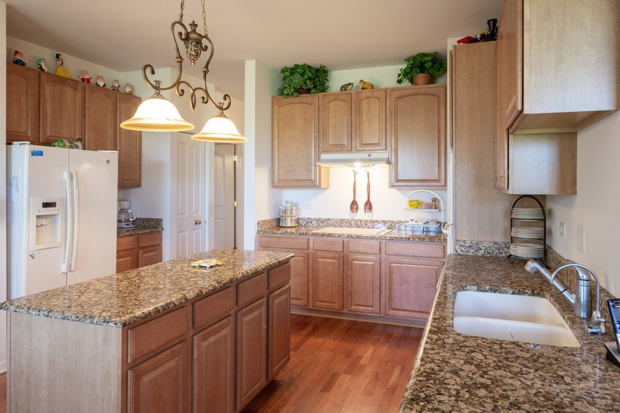 Real Estate Photography - 17208 Como Ave., Lockport, IL, 60441 - Kitchen