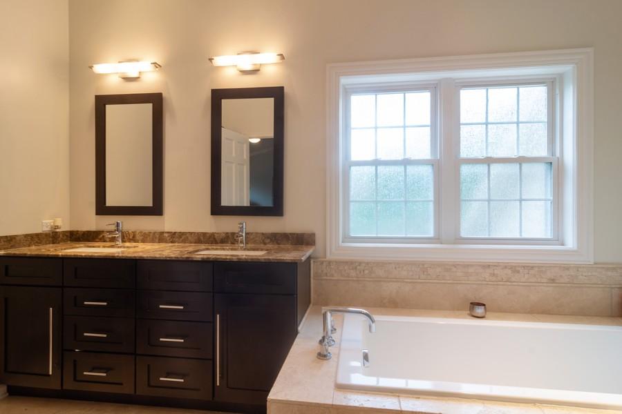 Real Estate Photography - 2206 E Hunter, Arlington Heights, IL, 60004 - Master Bathroom