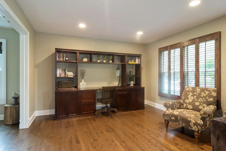 Real Estate Photography - 2206 E Hunter, Arlington Heights, IL, 60004 - Family Room