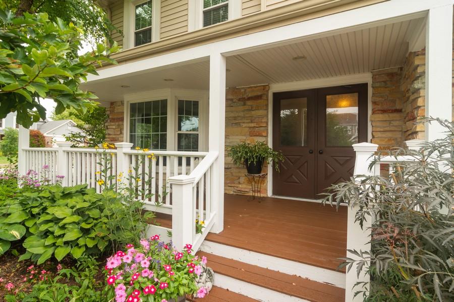Real Estate Photography - 2206 E Hunter, Arlington Heights, IL, 60004 - Entryway