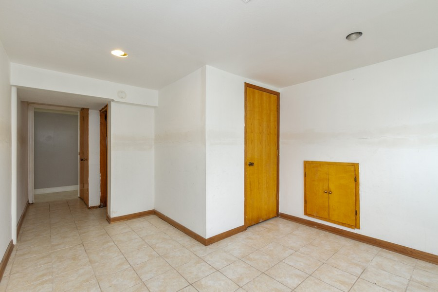 Real Estate Photography - 500 E 78th Pl, Merrillville, IN, 46410 - Lower Level