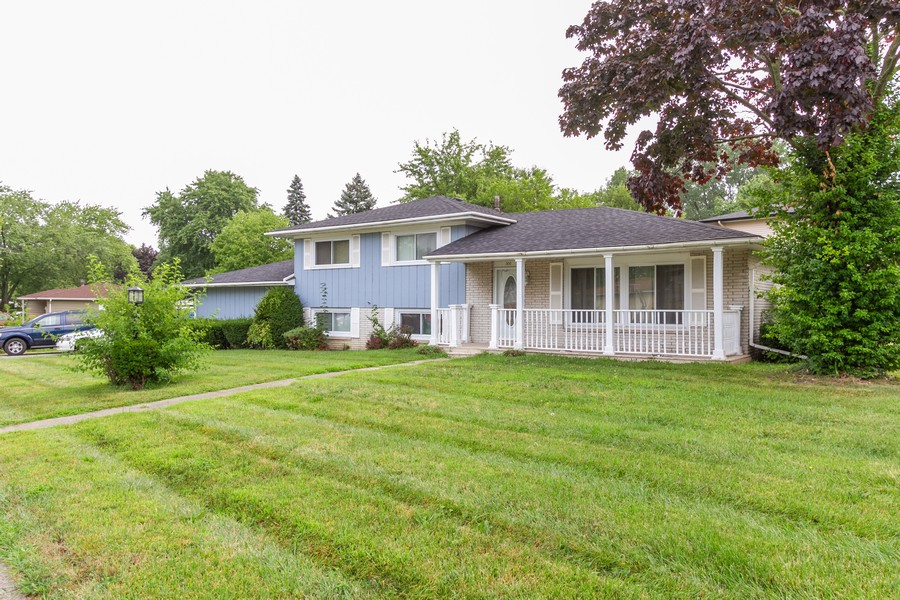 Real Estate Photography - 500 E 78th Pl, Merrillville, IN, 46410 - Front View