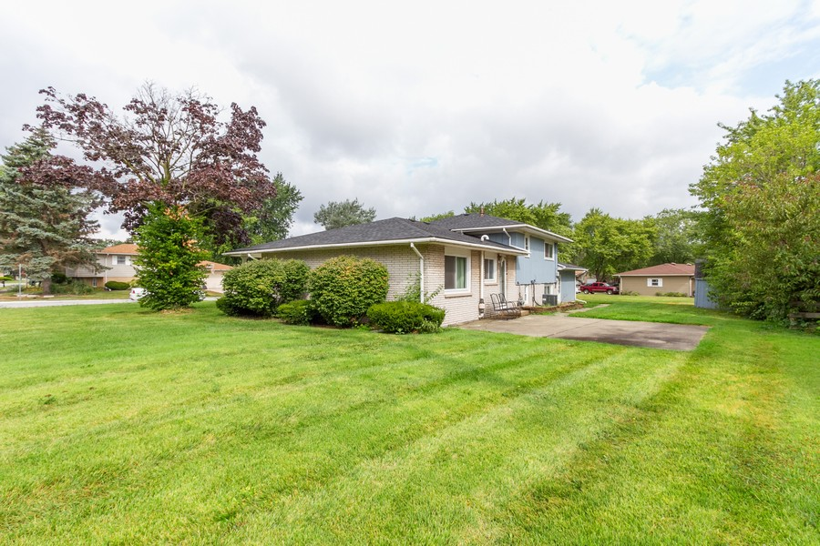 Real Estate Photography - 500 E 78th Pl, Merrillville, IN, 46410 - Rear View