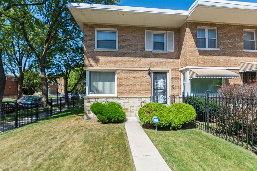 Real Estate Photography - 8347 S Ingleside Ave, Chicago, IL, 60619 - Front View