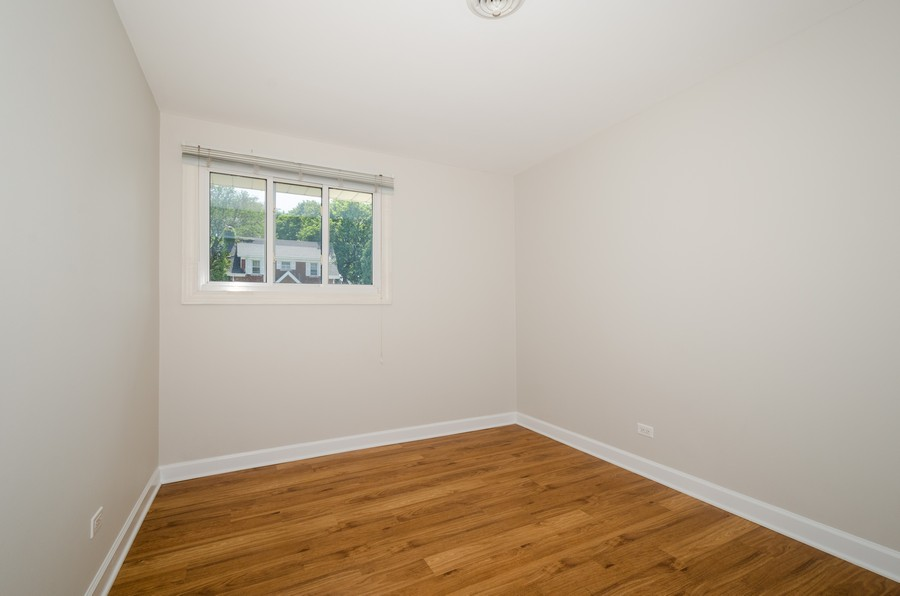Real Estate Photography - 851 E. Grant Dr., Des Plaines, IL, 60016 - 3rd Bedroom