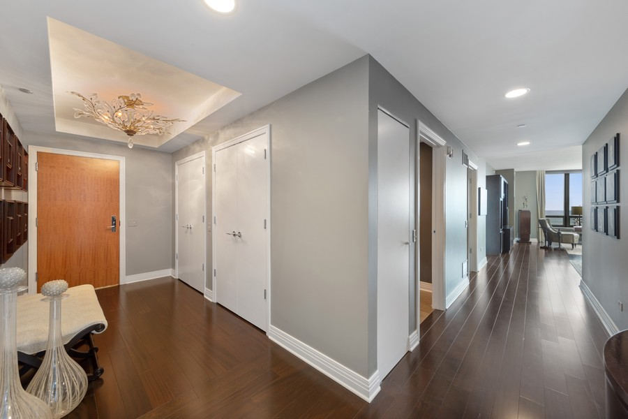 Real Estate Photography - 600 N. Lake Shore Drive, Unit 2412, Chicago, IL, 60611 - Foyer