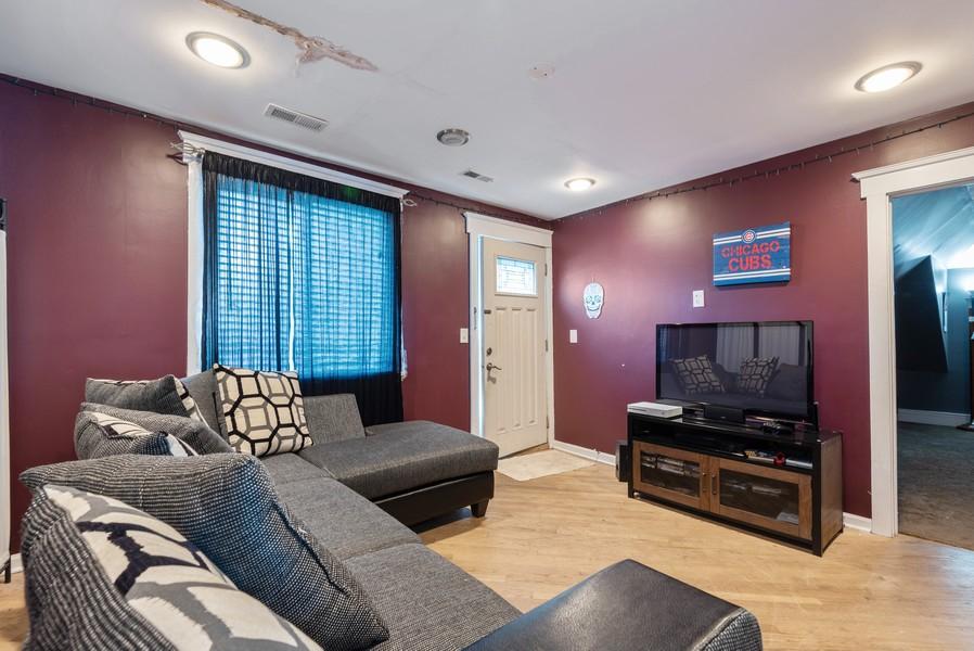 Real Estate Photography - 1747 Hartrey Avenue, Evanston, IL, 60201 - Living Room