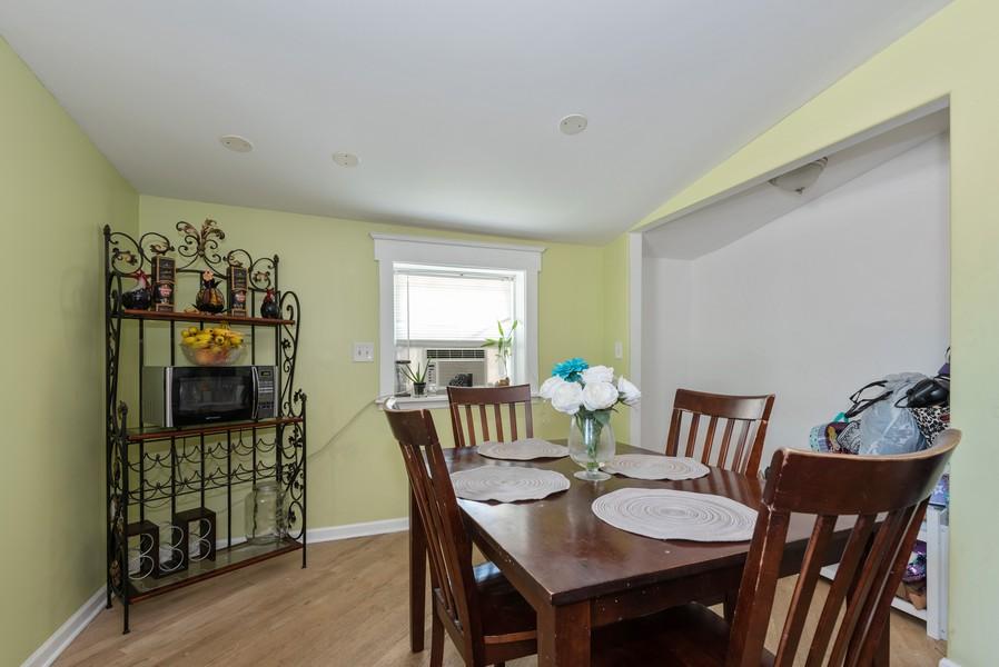 Real Estate Photography - 1747 Hartrey Avenue, Evanston, IL, 60201 - Dining Area