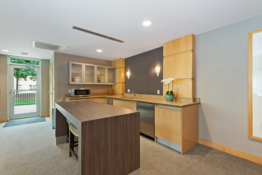 Real Estate Photography - 1522 N Prospect Ave Unit 1104, Milwaukee, WI, 53202 - Bar