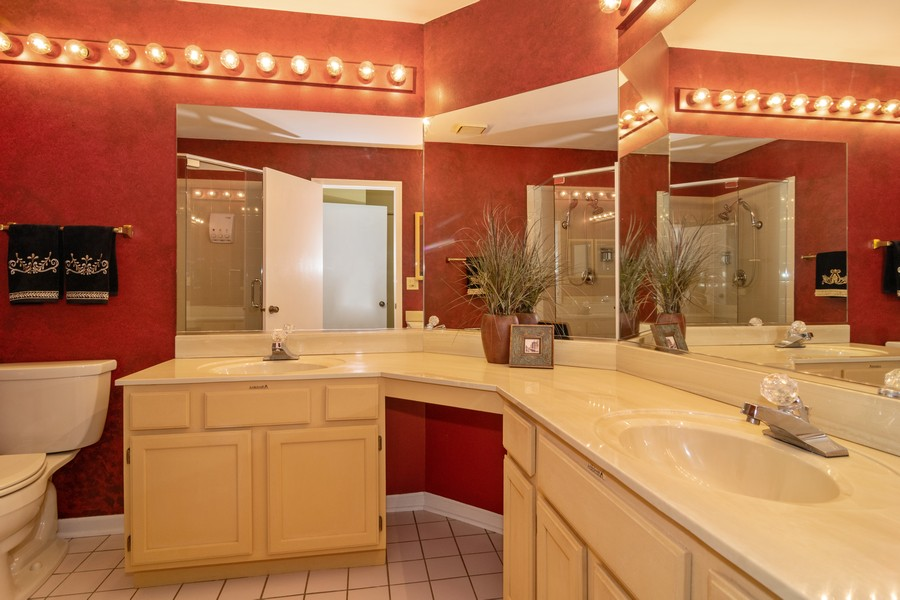 Real Estate Photography - 30W014 Laurel Court, Warrenville, IL, 60555 - Master Bathroom