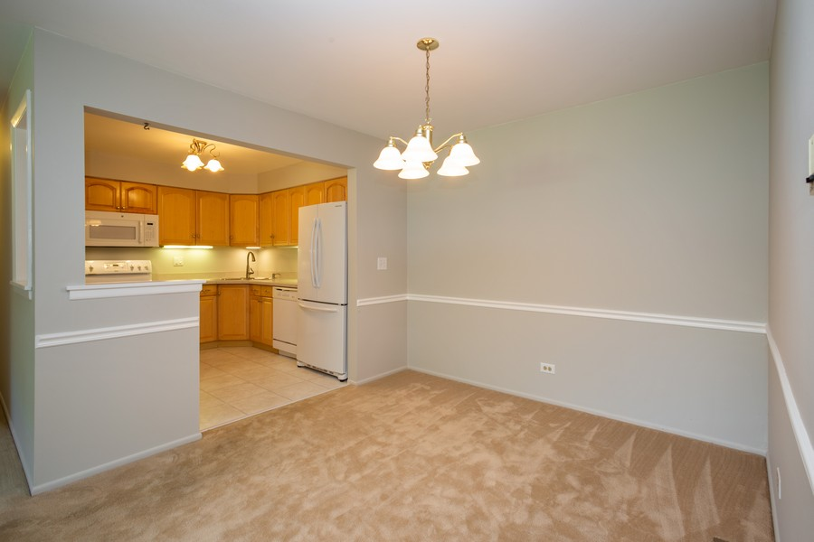 Real Estate Photography - 1314 S. New Wilk Road, Unit 1C, Arlington Heights, IL, 60005 - Dining Room