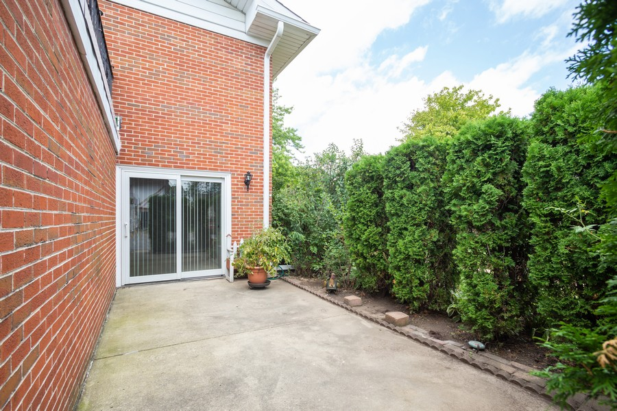 Real Estate Photography - 1314 S. New Wilk Road, Unit 1C, Arlington Heights, IL, 60005 - Patio