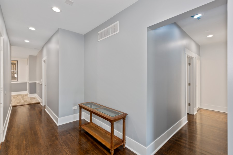 Real Estate Photography - 7138 S Cole Ave, Unit 1N, Chicago, IL, 60649 - Hallway