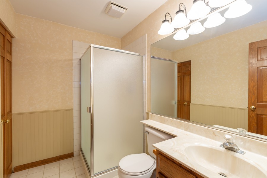 Real Estate Photography - 1740 Arbordale Ln, Algonquin, IL, 60102 - 3rd Bathroom