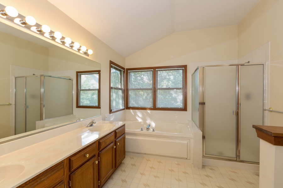 Real Estate Photography - 1740 Arbordale Ln, Algonquin, IL, 60102 - Master Bathroom
