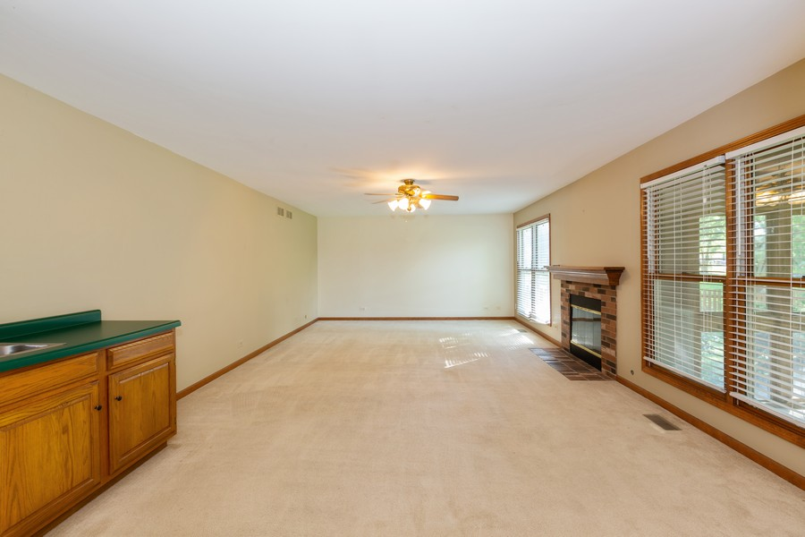 Real Estate Photography - 1740 Arbordale Ln, Algonquin, IL, 60102 - Family Room