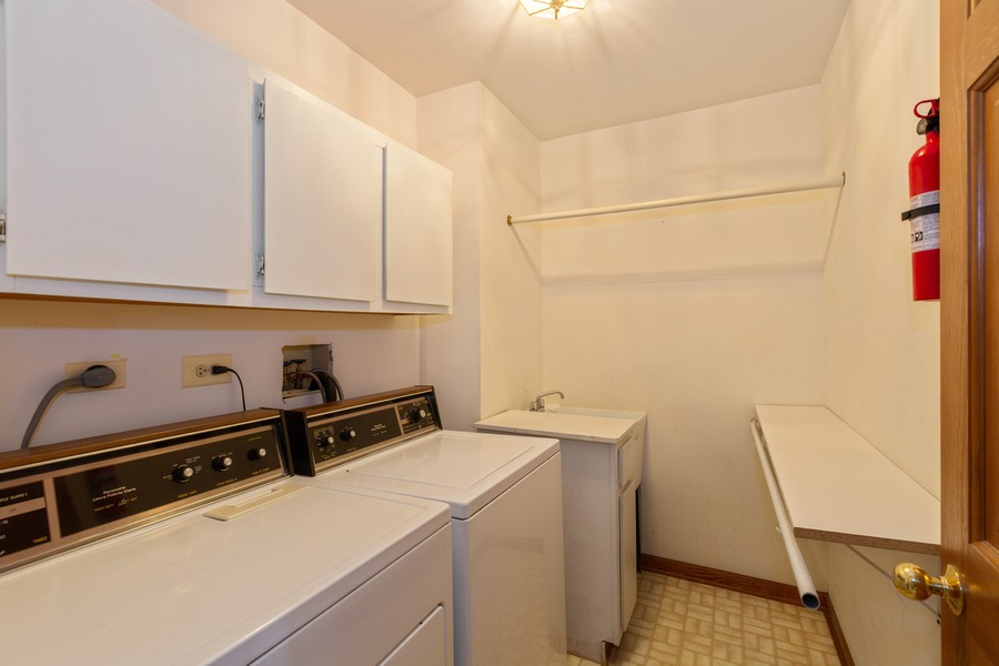 Real Estate Photography - 1740 Arbordale Ln, Algonquin, IL, 60102 - Laundry Room