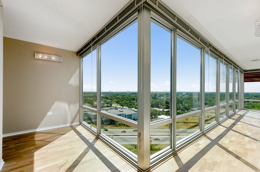 Real Estate Photography - 9655 Woods Drive, Apt 1710, Skokie, IL, 60077 - Foyer