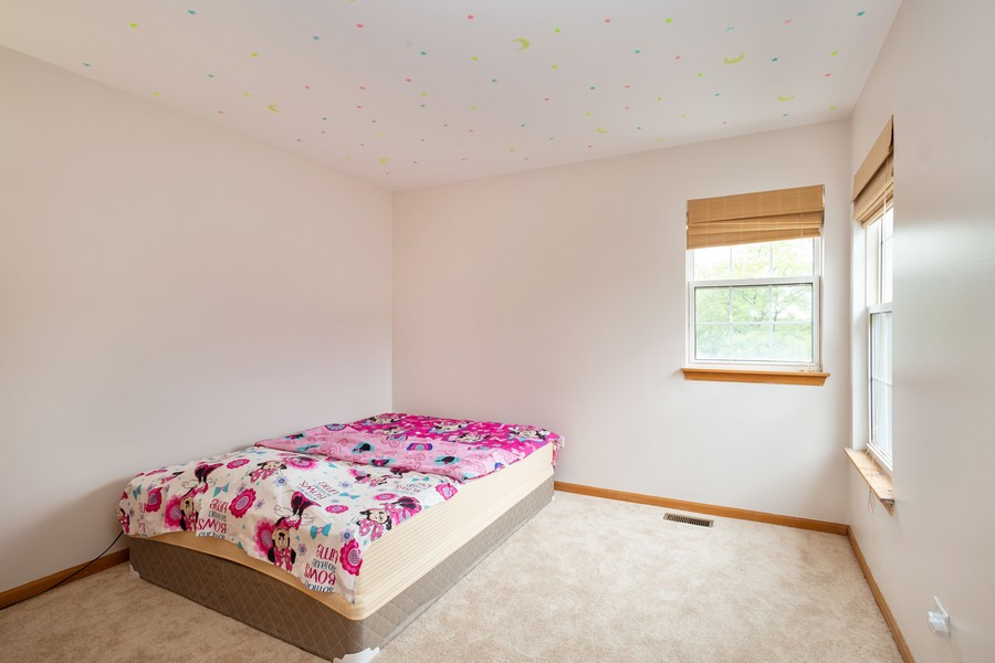 Real Estate Photography - 1955 Lilac Ct, Schaumburg, IL, 60193 - Bedroom