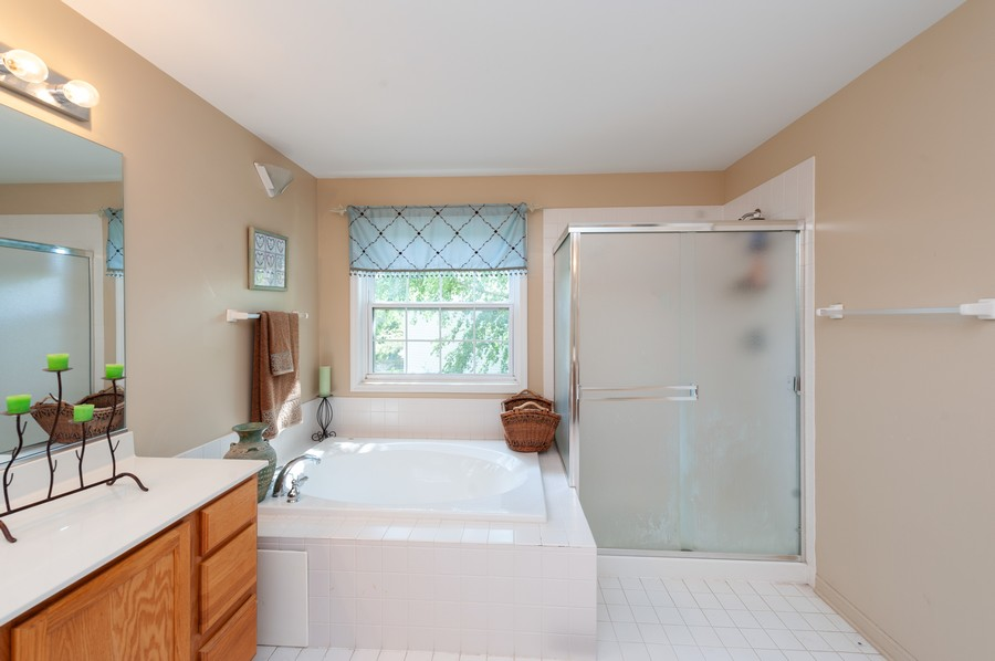 Real Estate Photography - 34032 N. Wooded Glen, Grayslake, IL, 60030 - Master Bathroom