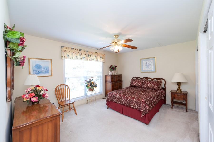 Real Estate Photography - 34032 N. Wooded Glen, Grayslake, IL, 60030 - 2nd Bedroom