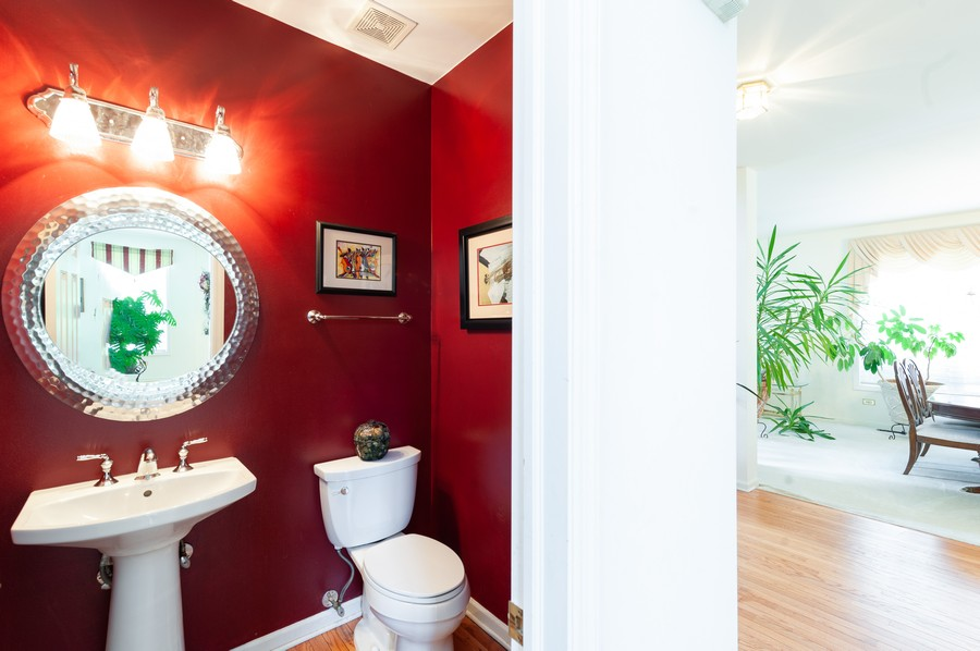 Real Estate Photography - 34032 N. Wooded Glen, Grayslake, IL, 60030 - 1st Floor Powder Room