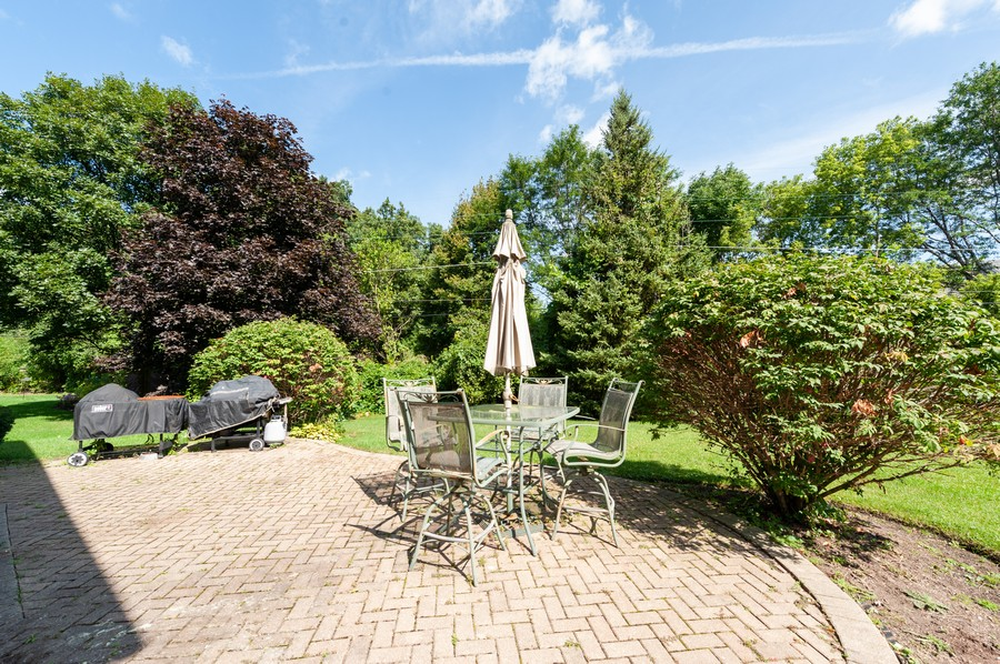Real Estate Photography - 34032 N. Wooded Glen, Grayslake, IL, 60030 - Patio