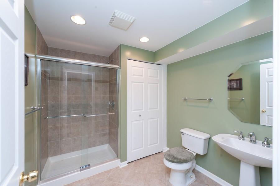 Real Estate Photography - 34032 N. Wooded Glen, Grayslake, IL, 60030 - Basement Full Bathroom