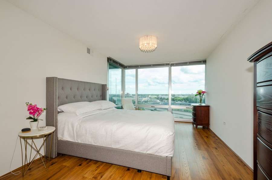 Real Estate Photography - 9715 N Woods, Unit 1109, Skokie, IL, 60077 - Master Bedroom