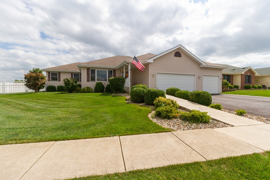 Real Estate Photography - 1956 Claire Ct, Bourbanias, IL, 60914 - Front View