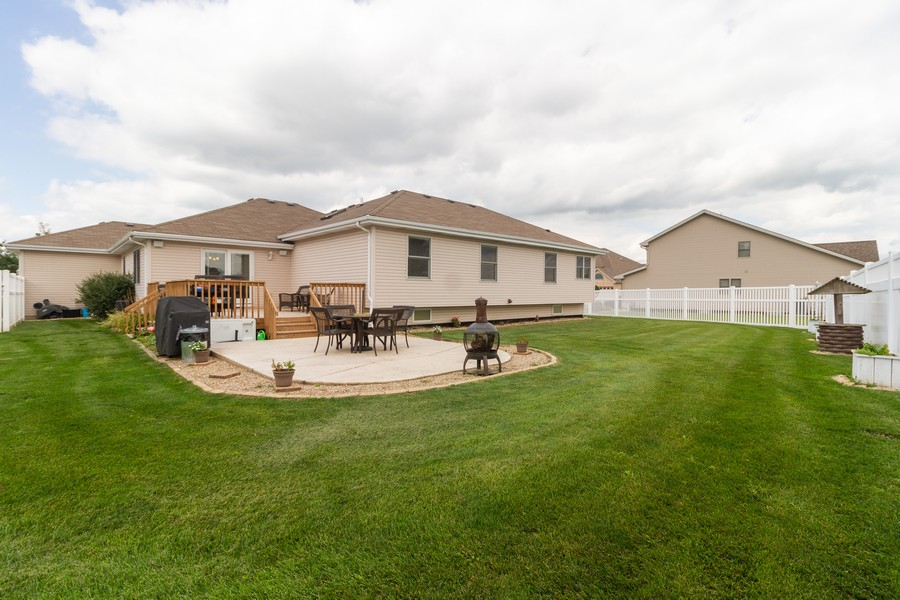 Real Estate Photography - 1956 Claire Ct, Bourbanias, IL, 60914 - Rear View