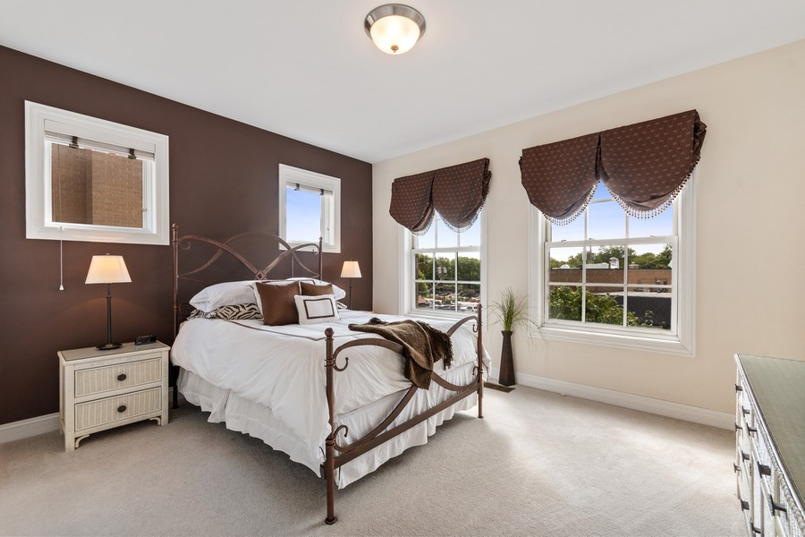 Real Estate Photography - 460 PENNSYLVANIA AVE, GLEN ELLYN, IL, 60137 - 2nd Bedroom