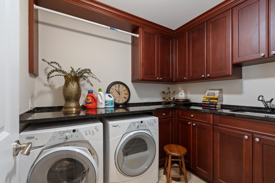 Real Estate Photography - 460 PENNSYLVANIA AVE, GLEN ELLYN, IL, 60137 - Laundry Room
