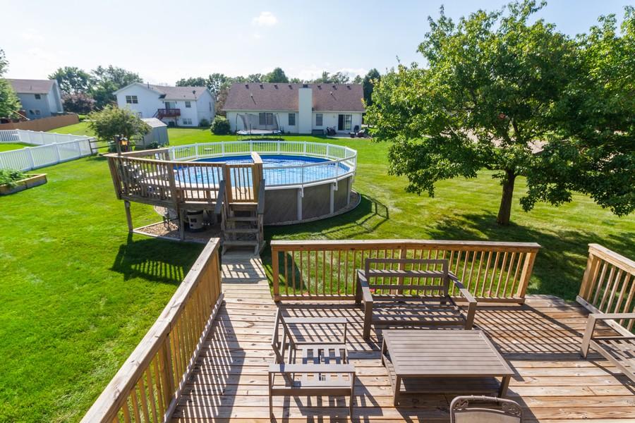 Real Estate Photography - 5 Layden Circle, Manteno, IL, 60950 - Back Yard