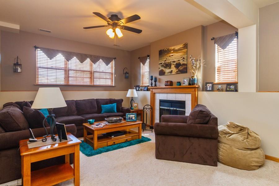 Real Estate Photography - 5 Layden Circle, Manteno, IL, 60950 - Family Room